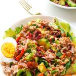 lekka sałatka z tuńczykiem i suszonymi pomidorami