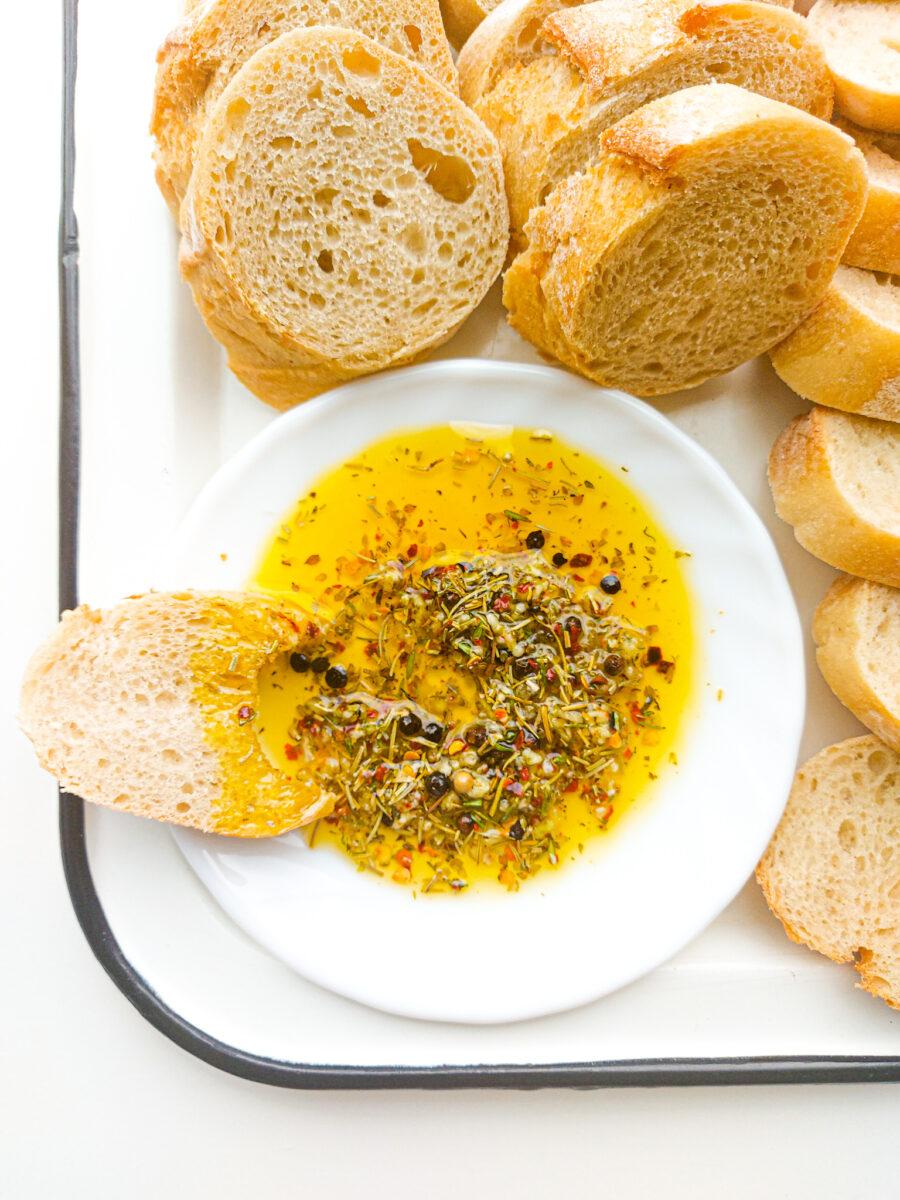 oliwa z ziołami i czosnkiem