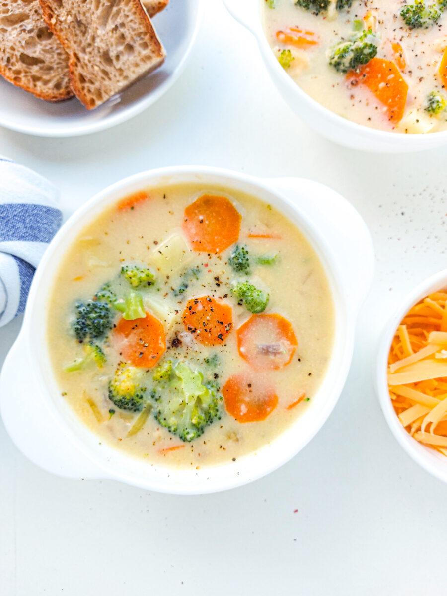 kremowa zupa brokułowa z serem