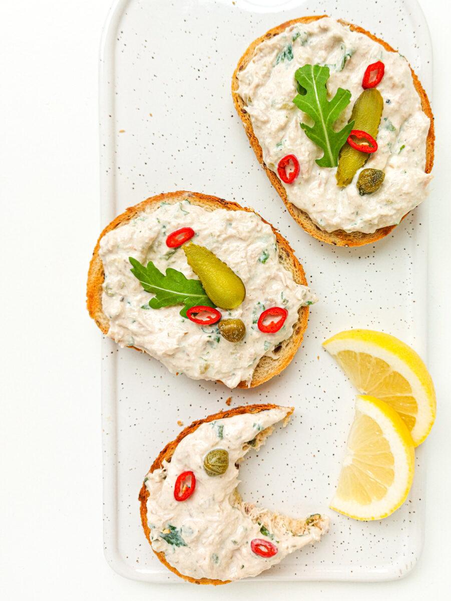 bruschetta z tuńczykiem