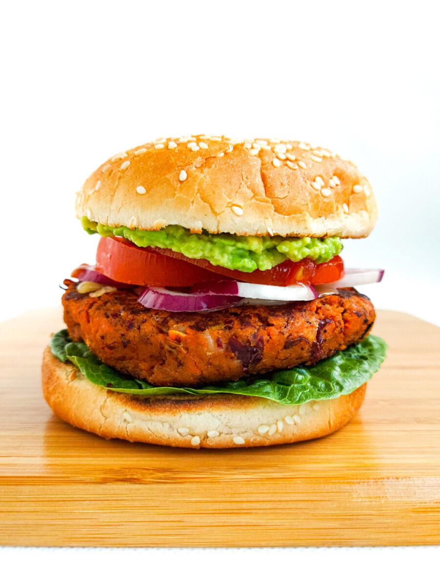 burger z czerwonej fasoli