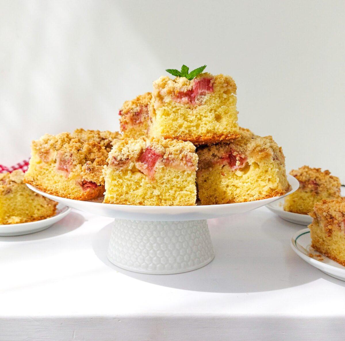 łatwe ciasto z rabarbarem